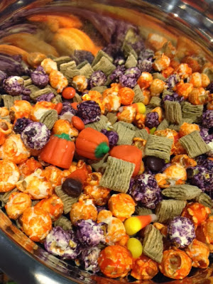 Scarecrow Crunch – A Fall Treat Mix Recipe