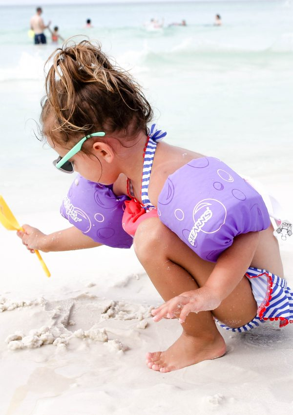 5 Tips for Babies & Toddlers at the Beach