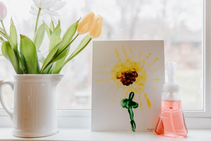 DIY Handprint Flower Tutorial