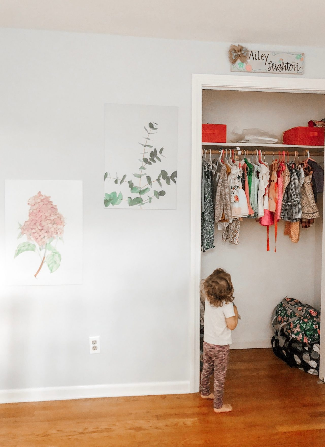 Easy Ways to Decorate a Child's Room with Displate