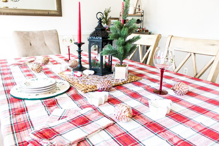 Red Plaid Decorations Dining Room