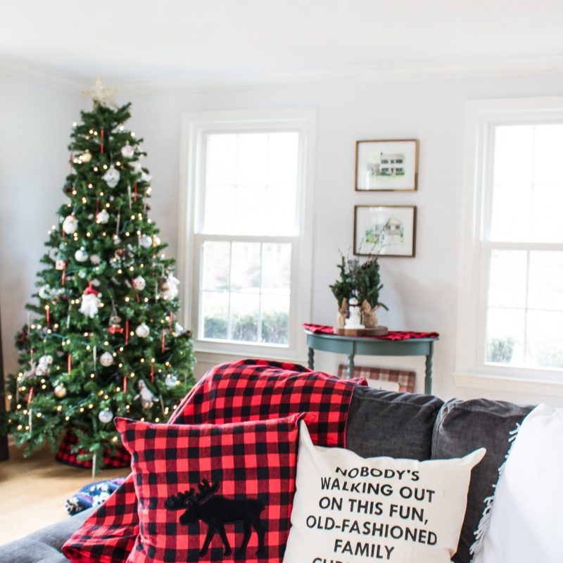 Holiday Decor in the Living Room