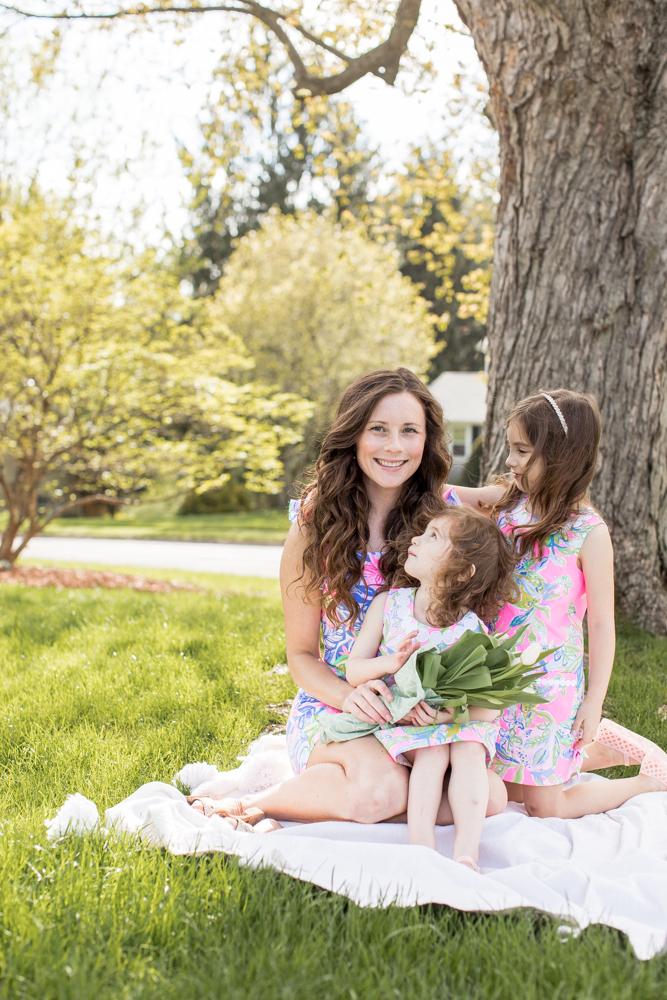 Ways to Be a Strong Role Model for Your Daughter - Mom and her Daughters