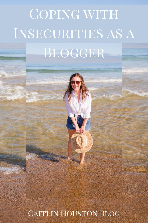 woman blogger at the beach