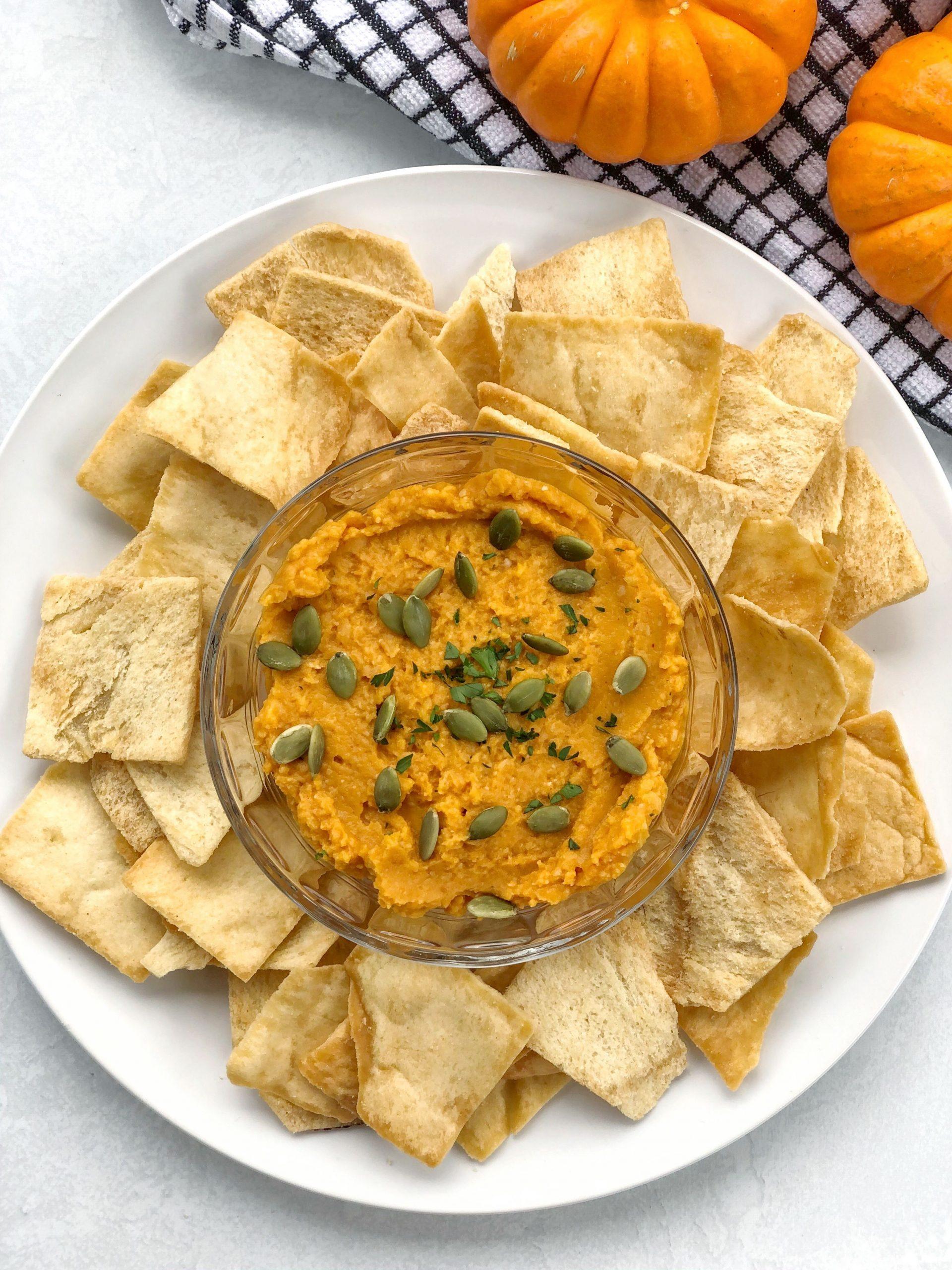 pumpkin hummus with crackers